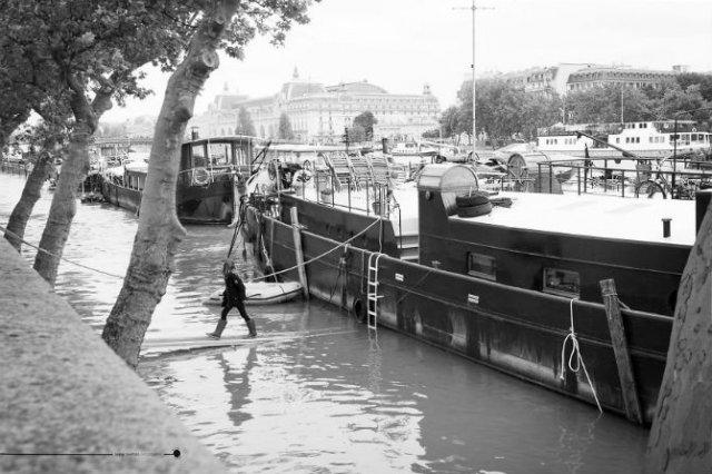 Parisul sub ape, in fotografii alb-negru - Poza 8