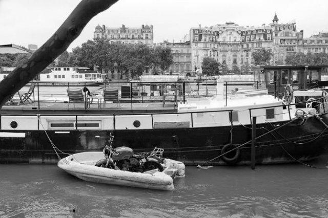 Parisul sub ape, in fotografii alb-negru - Poza 6