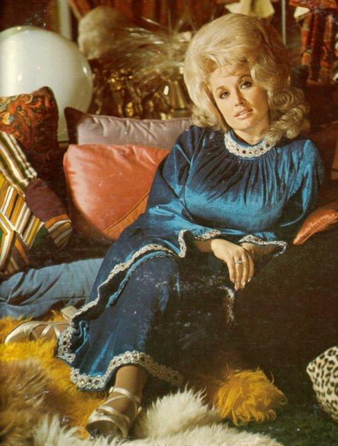 Marimea a contat mereu: Coafuri supradimensionate din anii `60 - Poza 15
