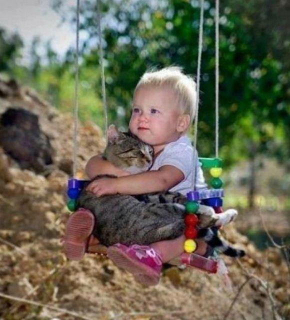 Copii si animale, intr-un pictorial adorabil - Poza 2