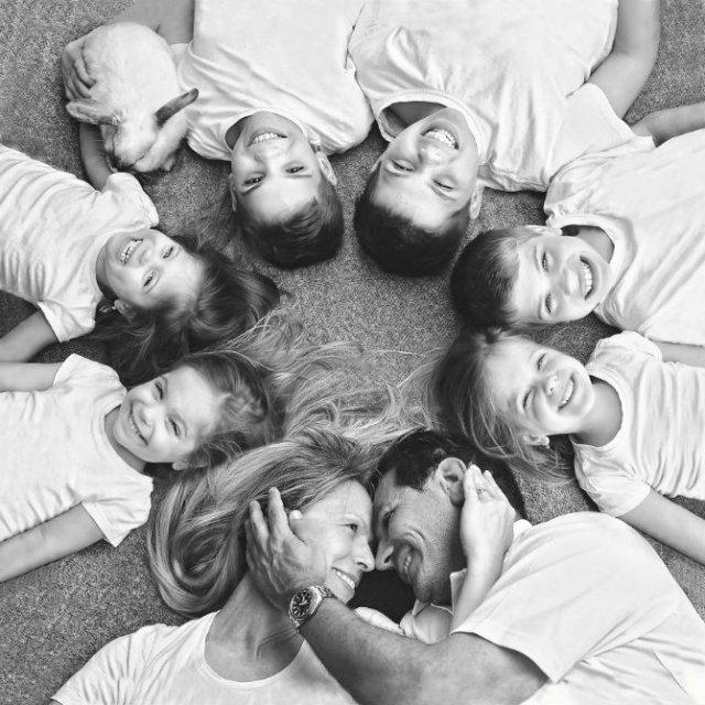 O poveste de familie, in poze superbe - Poza 1