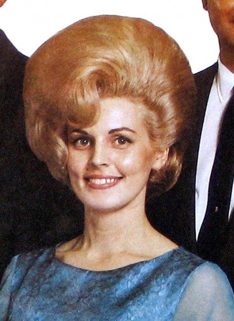 Marimea a contat mereu: Coafuri supradimensionate din anii `60 - Poza 13