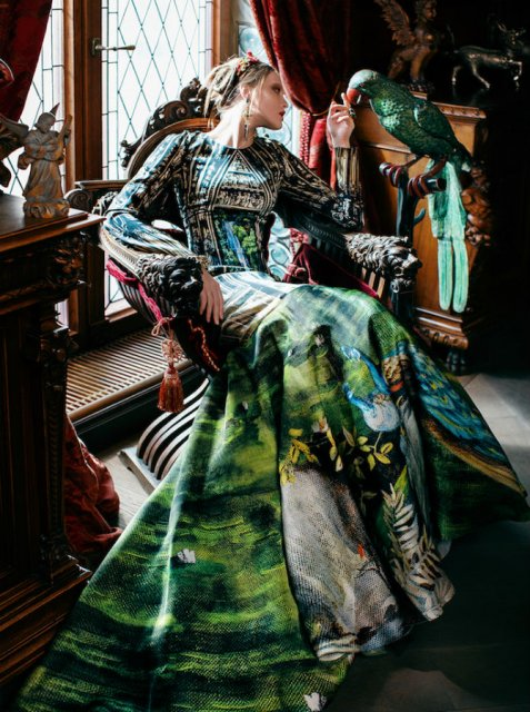 Pictura clasica pe rochii fabuloase - Poza 4
