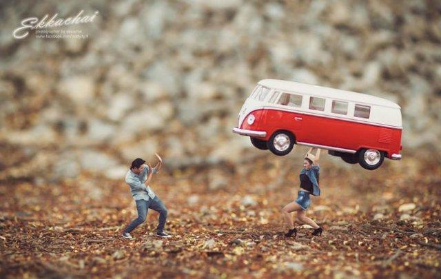 Cupluri miniaturale, intr-un pictorial suprarealist - Poza 11