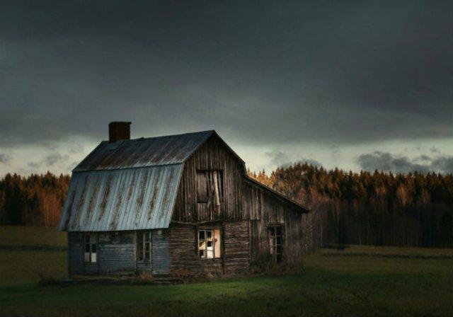 Frumusetea caselor abandonate de pe taramurile nordice - Poza 11