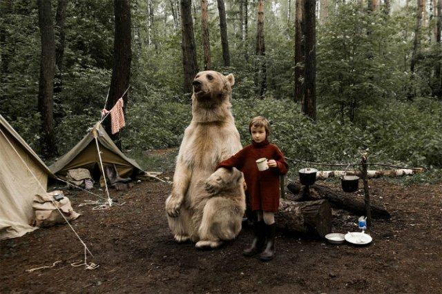 Cel mai simpatic urs, intr-o poveste de familie - Poza 6