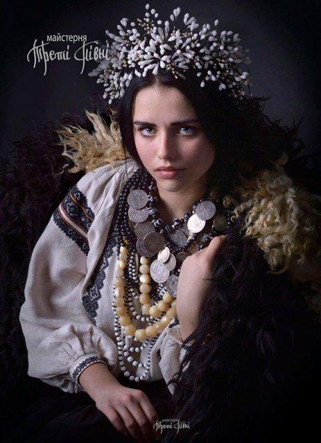 Frumusetea traditionala a femeilor ucrainiene - Poza 11