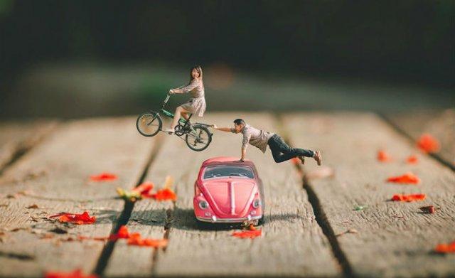Cupluri miniaturale, intr-un pictorial suprarealist - Poza 10