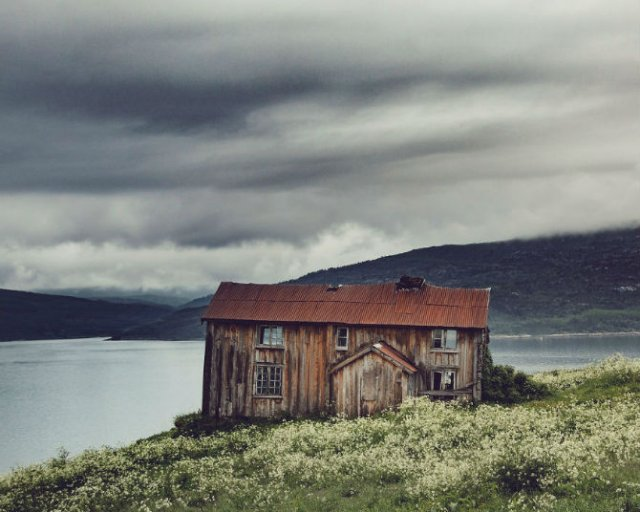 Frumusetea caselor abandonate de pe taramurile nordice - Poza 10