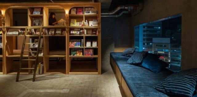Locul in care dormi alaturi de carti, pe rafturi - Poza 1