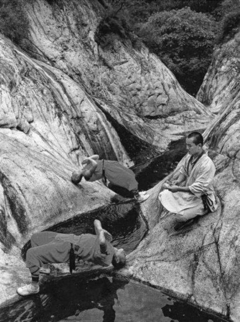Arta de a-ti depasi limitele: Antrenamentul calugarilor Shaolin - Poza 10