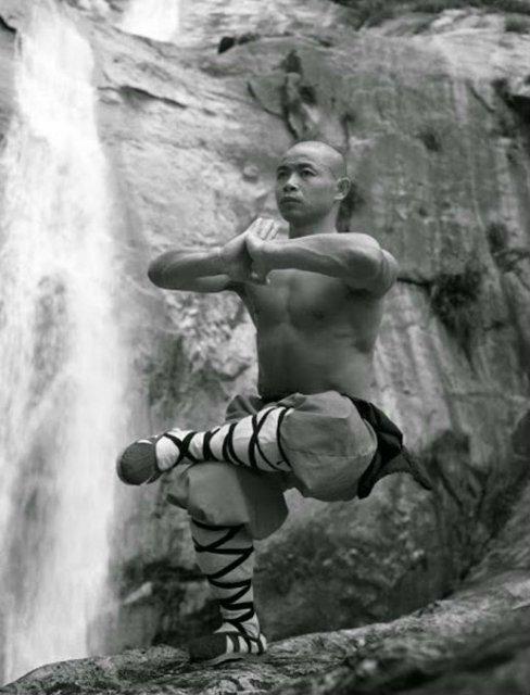 Arta de a-ti depasi limitele: Antrenamentul calugarilor Shaolin - Poza 12