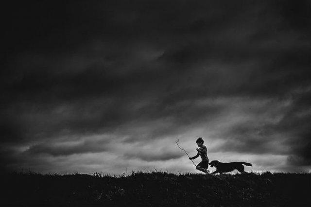 Copiii lumii, in poze alb-negru - Poza 21