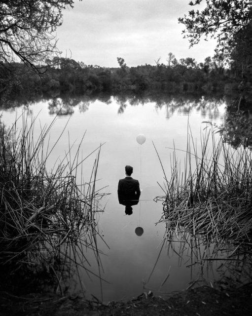Desfigurat de depresie: Autoportretele unui fotograf suferind - Poza 1