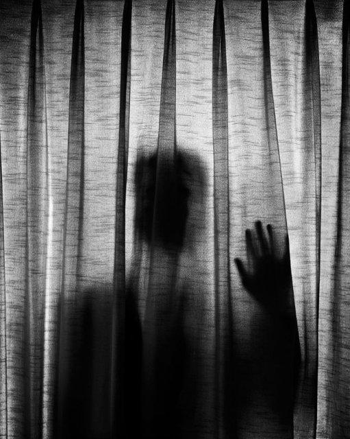 Desfigurat de depresie: Autoportretele unui fotograf suferind - Poza 7