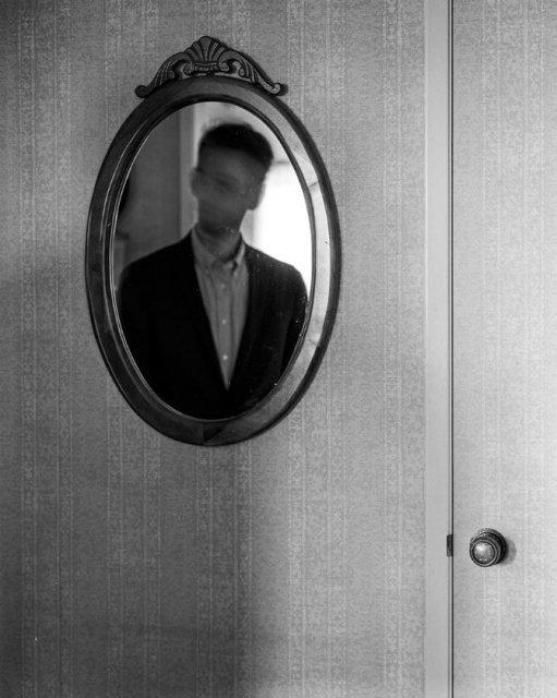 Desfigurat de depresie: Autoportretele unui fotograf suferind - Poza 9