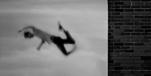 Desfigurat de depresie: Autoportretele unui fotograf suferind - Poza 11