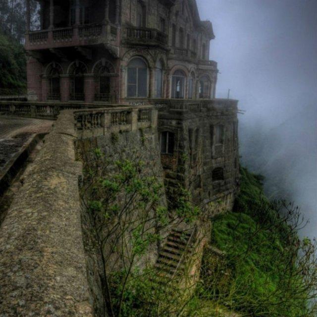 Cele mai frumoase locuri abandonate din lume - Poza 21