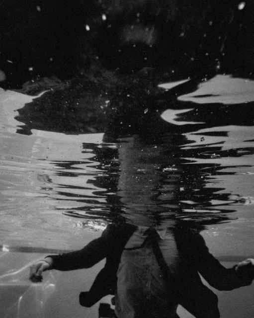 Desfigurat de depresie: Autoportretele unui fotograf suferind - Poza 5