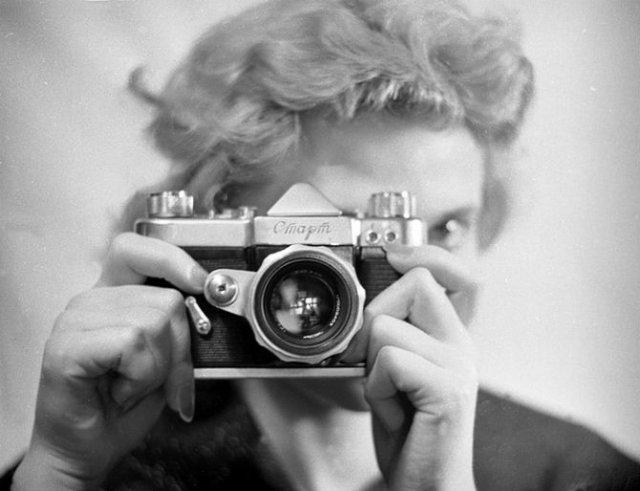 Sapte decenii de fotografie sovietica, in alb si negru - Poza 10