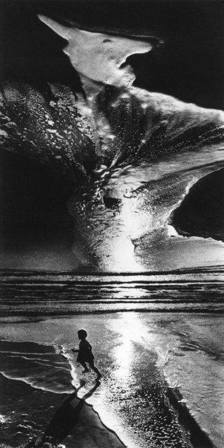 Sapte decenii de fotografie sovietica, in alb si negru - Poza 16