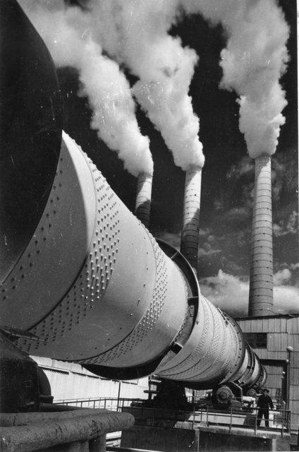 Sapte decenii de fotografie sovietica, in alb si negru - Poza 8