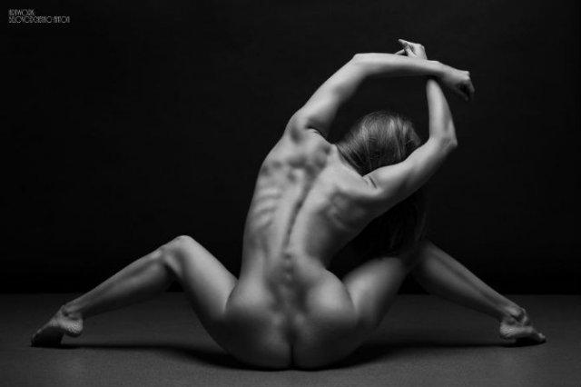 Frumusetea feminina in 13 poze alb-negru