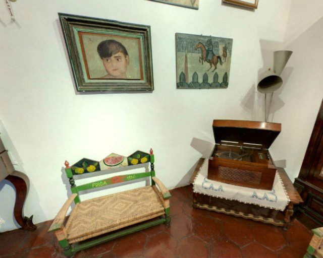 Casa Azul: Un tur memorabil in cel mai intim loc al Fridei Khalo - Poza 2