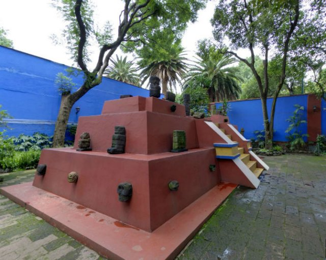 Casa Azul: Un tur memorabil in cel mai intim loc al Fridei Khalo - Poza 5