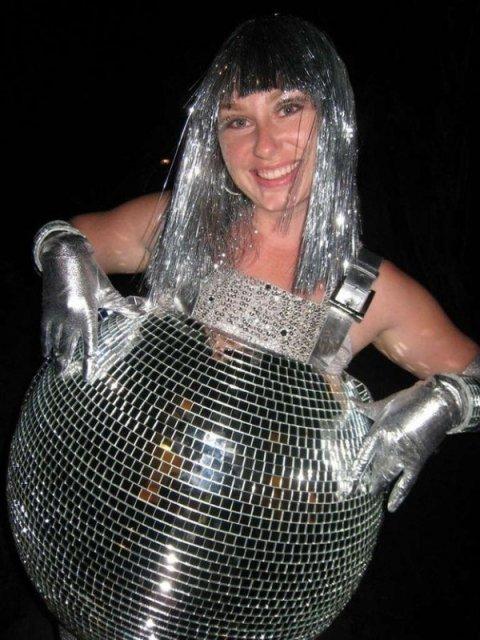 16 costume trasnite de Halloween pentru gravide