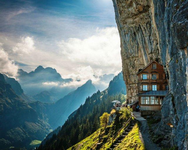 Hotelurile anului 2015: Cele mai uluitoare locuri de cazare din lume - Poza 5