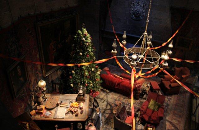 Harry Potter te invita sa iei cina de Craciun la Hogwarts - Poza 2