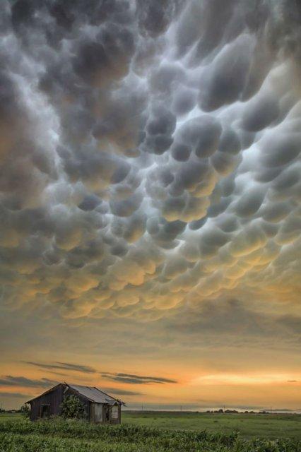 Calatorie aeriana printre cei mai frumosi nori - Poza 10