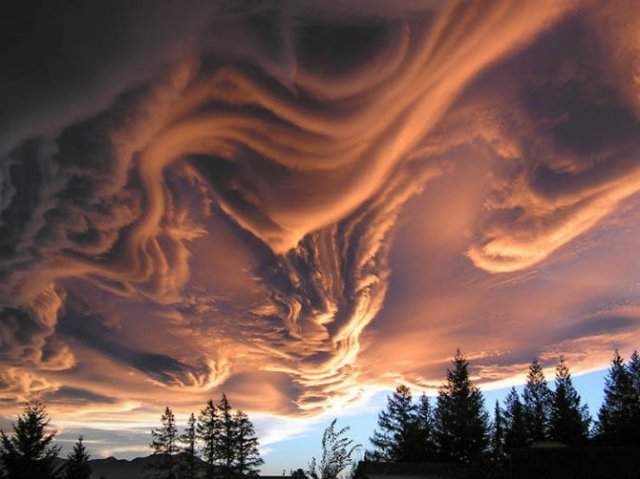 Calatorie aeriana printre cei mai frumosi nori - Poza 11