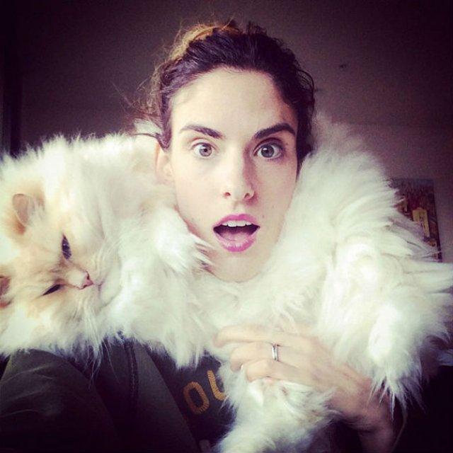Cea mai pufoasa pisica din lume - Poza 7