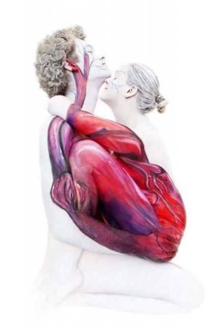 Tablouri vii: 11 Picturi pe corpul uman care induc in eroare