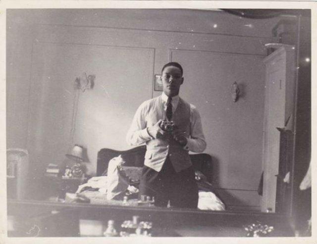Cele mai vechi selfi-uri din lume - Poza 13