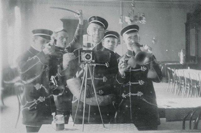 Cele mai vechi selfi-uri din lume - Poza 14