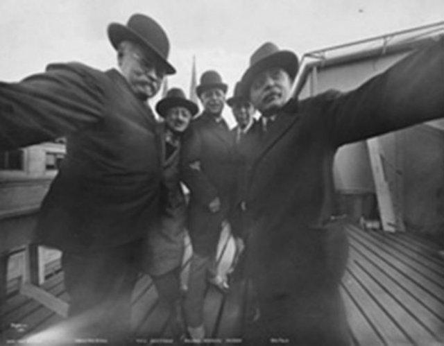 Cele mai vechi selfi-uri din lume - Poza 15