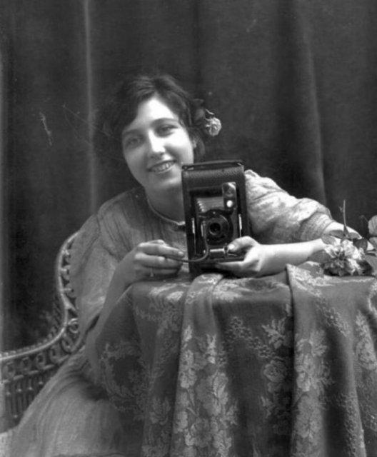Cele mai vechi selfi-uri din lume - Poza 5