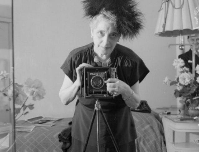 Cele mai vechi selfi-uri din lume - Poza 7