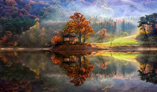 Peisaje superbe oglindite in apa - Poza 1