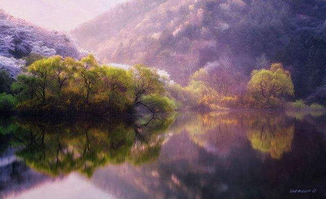 Peisaje superbe oglindite in apa - Poza 3