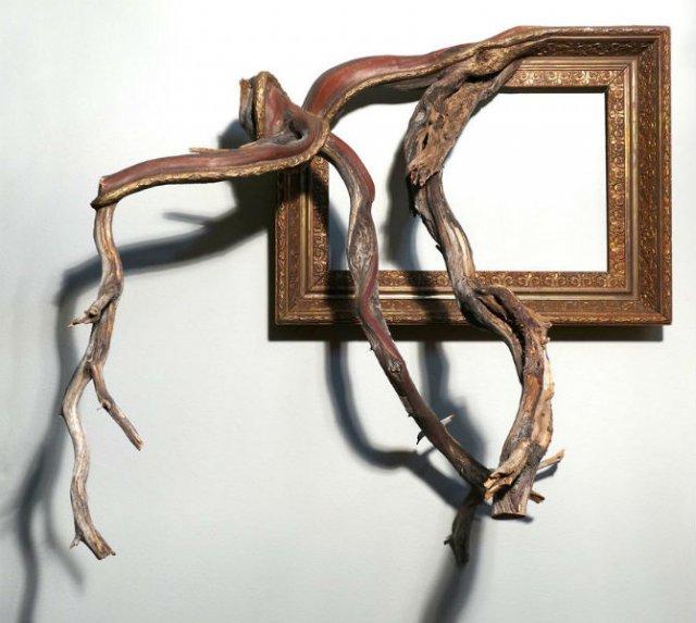 Fuziune artistica: Rame de tablouri, ca prelungiri de copaci - Poza 1