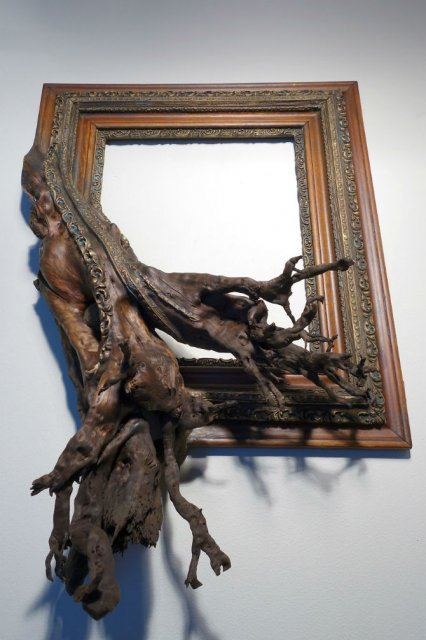 Fuziune artistica: Rame de tablouri, ca prelungiri de copaci - Poza 3