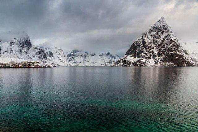 Un strop din frumusetea Norvegiei, in poze uluitoare - Poza 15