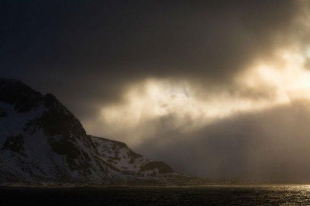 Un strop din frumusetea Norvegiei, in poze uluitoare - Poza 17