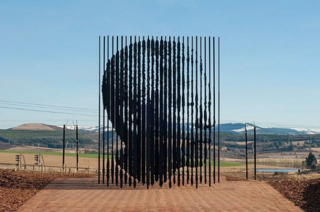 Povestitorii tacuti: 18 Sculpturi impresionante din jurul lumii - Poza 11