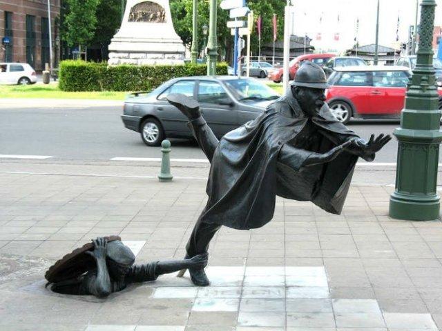 Povestitorii tacuti: 18 Sculpturi impresionante din jurul lumii - Poza 12