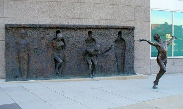 Povestitorii tacuti: 18 Sculpturi impresionante din jurul lumii - Poza 7